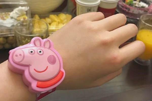 抖音小猪佩奇是什么梗 戴上专属手表就成了社