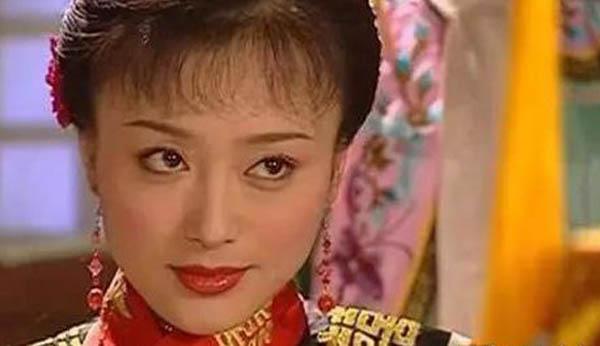秦岚在还珠格格演什么 她扮演的知画可恨也可怜